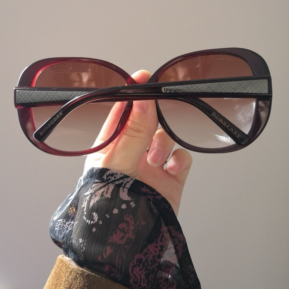 a762574e671 Burberry Accessories - Authentic Burberry Oversized Sunglasses